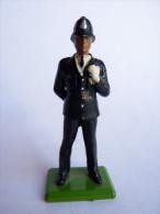FIGURINE SOLDAT BRITAINS 1986 POLICEMEN ANGLAIS
