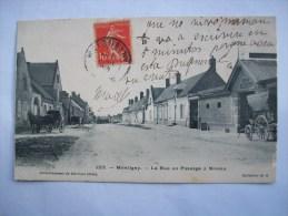Ma Réf: 77-12-4.          MONTIGNY   La Rue Au Passage à Niveau. - France