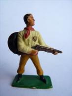 FIGURINE STARLUX COWBOY FUSIL MAINS CHEMISE JAUNE -  SERIE ORDINAIRE  1957 Réf 125 - Starlux