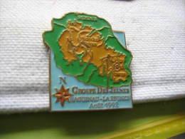 Pin's Du Groupe Des Jeunes Haguenau-Ile De La Réunion En Aout 1992. Carte De La Réunion, St Denis, Piton Des Neiges - Villes