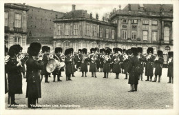 Kobenhavn Vagtparaden Paa Amalinborg - Danemark