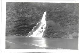 NORVEGE - Chute D'eau Dans Les Fjords - Norvège