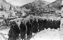 FRANCAIS ..VOICI VOTRE ARMEE DE TUNIS A SIENNE..italie,tirailleurs Montant En Ligne....CPSM GRAND FORMAT - War 1939-45