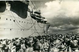DE SIENNE A BELFORT..8 Aout 1944.golfe De  TARENTE Troupes Francaises Embarquant Pour FRANCE....CPSM GRAND FORMAT - War 1939-45