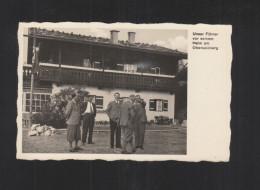 AK Adolf Hitler Vor Seinem Heim Am Obersalzberg - Personaggi Storici