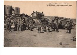 C P A----59----LE QUESNOY---guerre Mondiale  1914-18---un Débarquement De Tanks---voir 2 Scans - Le Quesnoy