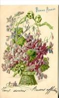 Bonne Année - Carte Gaufrée - Bouquet De Violettes Dans Corbeille - Nouvel An