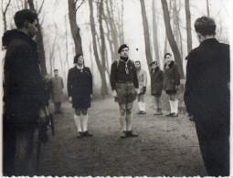 PHOTO 9 - VINCENNES - Scouts / Départ Routier Avant L´engagement - Scoutisme