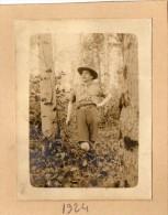PHOTO 12 - Photo Ancienne Scout Dans Un Bois - Scoutisme