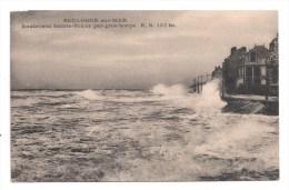 CP , 62 , BOULOGNE-SUR-MER , Boulevard Sainte-Beuve Par Gros Temps , Vierge - Boulogne Sur Mer