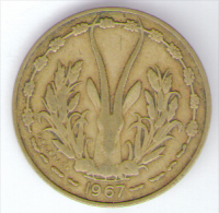 ETATS DE L´AFRIQUE DE L´OVEST 10 FRANCS 1967 - Monete