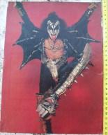 KISS,SIX PISTOLS-ROCK STAR,0NE PAGE FROM CIRCUS MAGAZINE - Manifesti & Poster