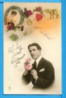 CP, Homme Avec Des Fleurs Et Fer à Cheval - Pour Vous Porter Bonheur, Ecrite - 1er Avril - Poisson D'avril