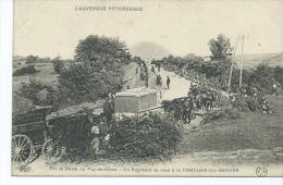 CPA - Sur La Route Du Puy De Dôme - Un Régiment Se Rend à La Fontaine Du Berger - Unclassified