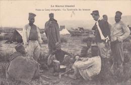 22584 MAROC ILLUSTRE -CAMP SENEGALAIS.tambouille Des Hommes - Schmitt Photo -africain Militaire Guerre