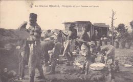 22585 MAROC ILLUSTRE -CAMP SENEGALAIS.LEURS FEMMES AU LAVOIR - Schmitt Photo -africain Militaire Guerre Lessive - Guerres - Autres