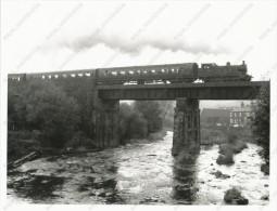 The East Lancashire Railway, Train,steam Locomotive, Bridge,  Zug,Dampflokomotive,Eisenbahnbrücke, Old Press Photo - Trenes