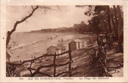 Cpa 1901?,  ILE DE NOIRMOUTIER Vendée, La Plage Des Sableaux Avec Ses Cabines  (12.87) - Noirmoutier