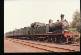 Belgique -- Locomotive  A Vapeur Type 16 Avec Voitures G.C.I . - Eisenbahnen