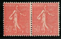 """France- (Maury)  N° 199 -  Paire 50 C. Rouge - """"C"""" Fermé Tenant à Normal - Qualité:* - Cote 50 € - Errors & Oddities"""