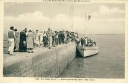 Fouras-les-Bains  La Jetée Nord- Embarquement Pour L'Ile D'Aix  Cpa - Fouras-les-Bains