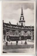 COMMERCY 55 - Vue Sur L'Eglise Vers Le Café Du Fer à Cheval - CPSM Photo Noir Et Blanc PF  - Meuse - Commercy