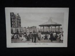 Folkestone : Le Kiosque à Musique. Jour De Concert. - Folkestone