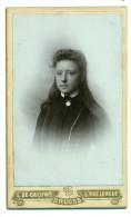 Oude Foto Op Karton - Meisje - L. De Caluwé Bruges - Personas Anónimos