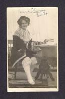 REAL PHOTO CABINET - VRAIS PHOTO POSTCARD - AROUND 1910 -1920 - MARIE GEMMA CÉCILIA TRÈS ORIGINALE SON HABILLEMENT - Photographie
