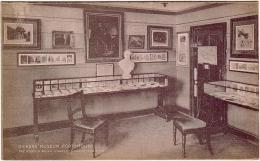 ECRIVAINS / CONTES / Chales DICKENS / DICKENS MUSEUM,PORTSMOUTHLa Salle Pendant La Guerre - Contes, Fables & Légendes