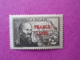 Madagascar Poste Neuf  N° 252 * Charnière  ( Lot 27 ) - Madagascar (1889-1960)