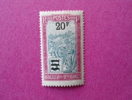 Madagascar Poste Neuf  N° 155 * Charnière  ( Lot 20 ) - Madagascar (1889-1960)