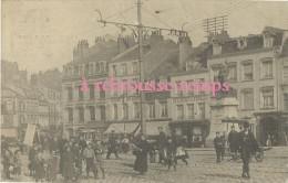 Carte Postale Sans éditeur-Dunkerque Place De La République Très Animée - Dunkerque