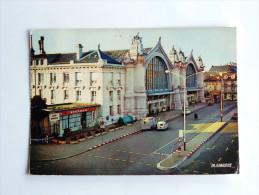 Carte Postale Ancienne : TOURS : La Gare S.N.C.F. , Animé - Tours