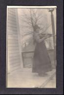 REAL PHOTO CABINET - VRAIS PHOTO POSTCARD - AROUND 1910 -1920 - PHOTO D'UNE JOUEUSE DE VIOLON - Photographie