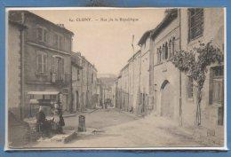 71 - CLUNY --  Rue De La République - Cluny