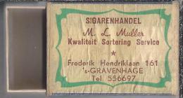 Luciferdoosje.- Sigarenhandel M.L. Muller Frederik Hendriklaan 161 Den Haag. Lucifers. Matchbox, Matches. - Zündholzschachteln