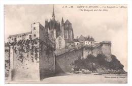 CP, 50, LE MONT SAINT MICHEL, Les Remparts Et L'Abbaye, Vierge - Le Mont Saint Michel