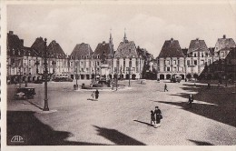 Charleville 08 -  Statue Et Place Ducale - Editeur Cap - Datée 17 Mai 1942 - Charleville