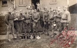 CPA 145 - MILITARIA - Carte Photo  - Soldats / Militaires à COBLENCE - Personnages