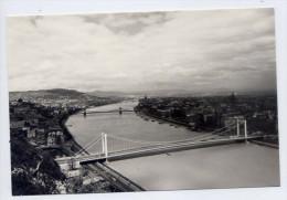 Hongrie--BUDAPEST--1967-- Vue Générale (ponts) ,cpsm 10 X 14.5 ---timbre  Autocar,autobus---------- ------- - Hongrie