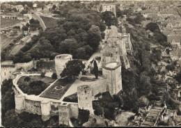 Cpsm Gf - CHINON - Vue Aerienne Du Chateau (Chateau Du Coudray, Chateau Du Milieu Et Tour De L Horloge)  66 - Chinon