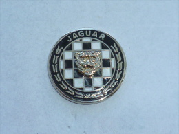 Pin's SUPERBE INSIGNE JAGUAR - Jaguar