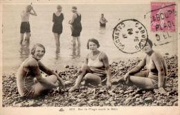 CPA  CABOURG , Sur La Plage Avant Le Bain En 1937 - Cabourg