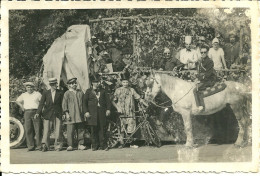 CARNAVAL CORSO CARTE PHOTO CHAR  CHEVAL GENDARME CLOWN  DEFILE FETE COSTUMES - Carnaval