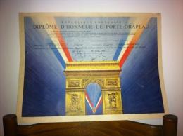 Diplôme D'honneur De Porte Drapeau - Diplômes & Bulletins Scolaires