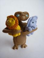 FIGURINE E.T. AVEC DES DOUDOUS Publicitaire CADEAU BONUX (3 éléments) TRES RARE COMPLET - Figurillas