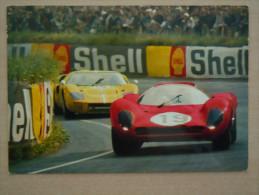 Automobile De Course Sur Circuit , La Voiture Ferrari P4 - Autres