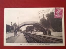 78 LE VESINET 71 La Gare Et La Passerelle (Vue Inhabituelle Avec Joli Daguin) - Le Vésinet