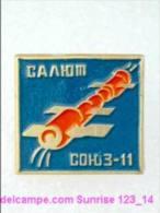 SPACE: Spaceship Soyuz-11 / Old Soviet Badge USSR_123_sp5609 - Espace
